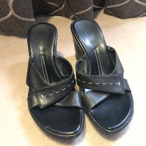 Kenneth Cole Reaction Wedges Size 7